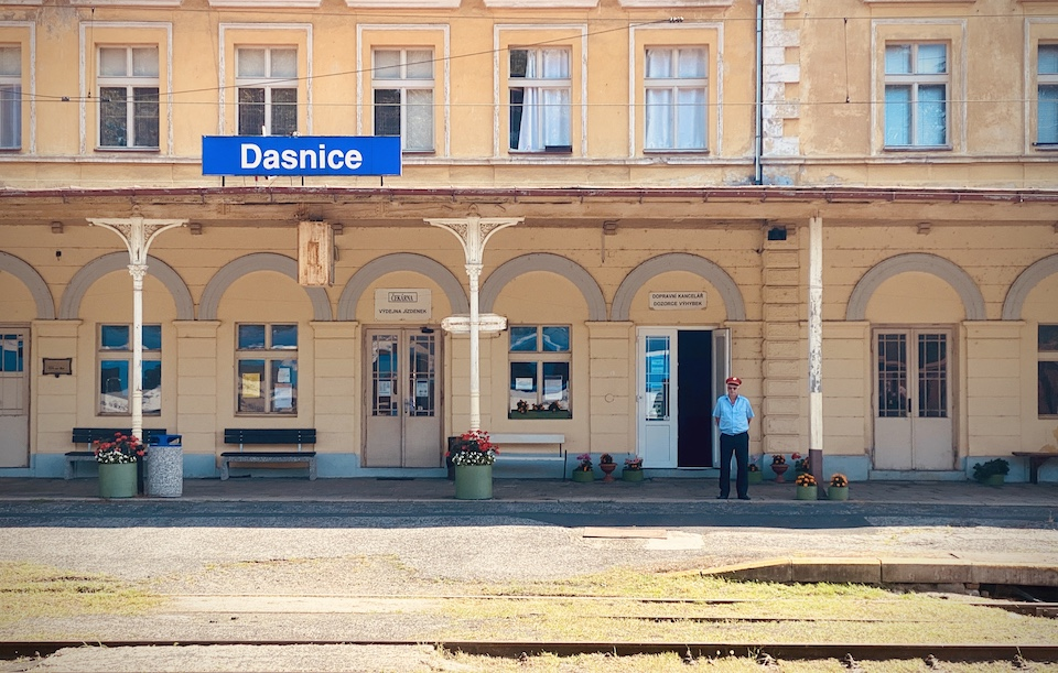 Dasnice Bahnhof