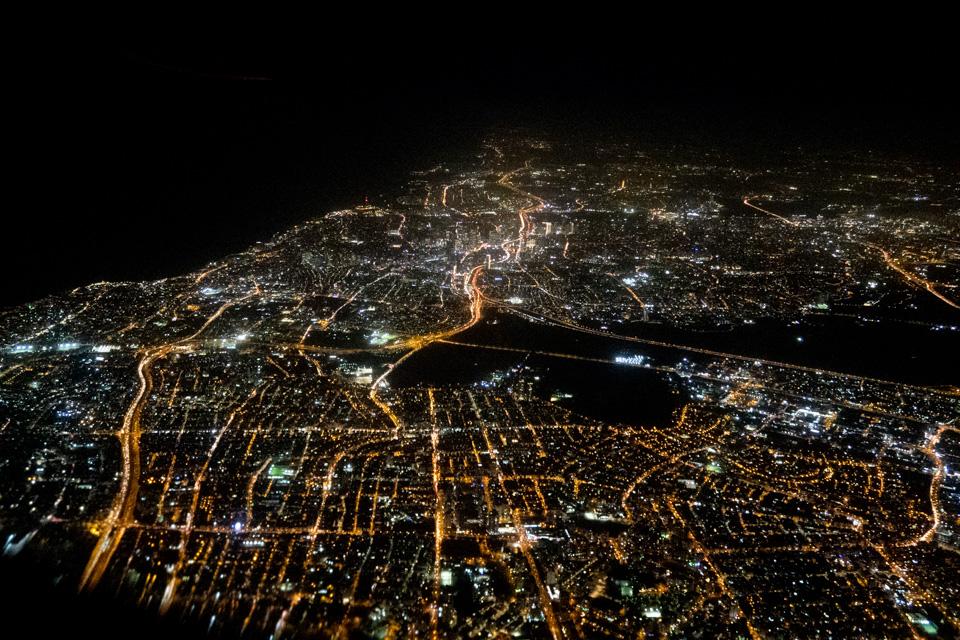 Tel Aviv bei Nacht von oben